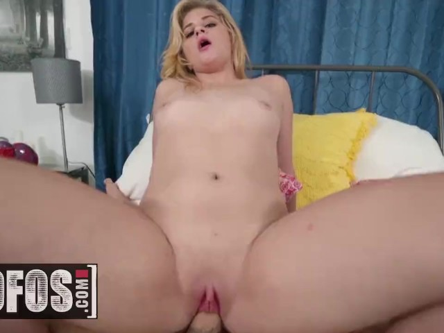 Mofos - Thicc White Girl Taylor Blake Gets Paid for Sex