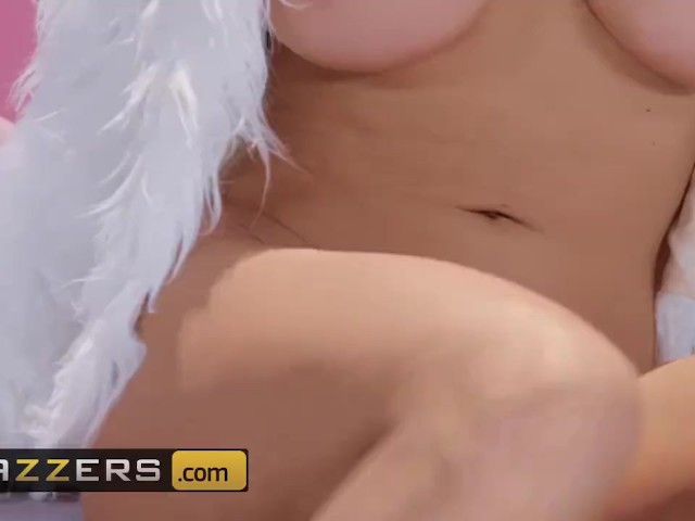 Brazzers - Busty Sex Doll, Olivia Austin,come to Life and Is Perfect