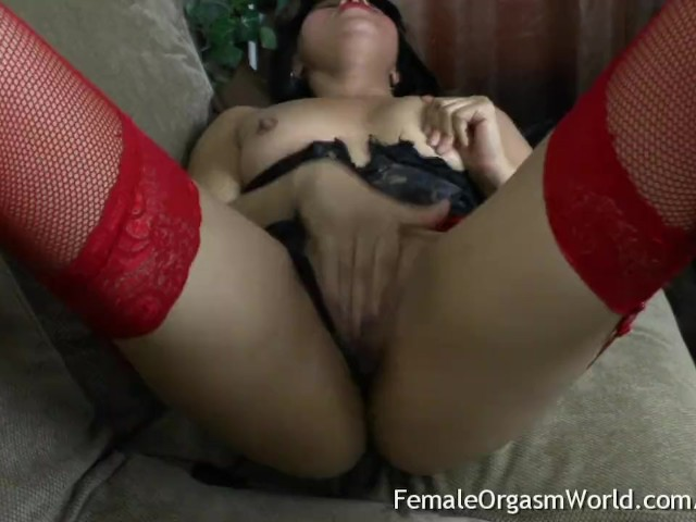 Sexy Latina Masturbates Her Fleshy Pussy in Her First Time on Camera
