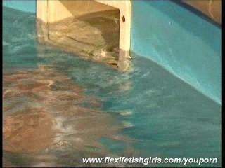 Flexible Radka in wet nylons