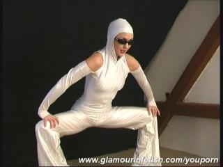 Disco Lady Lenka sparking flexible