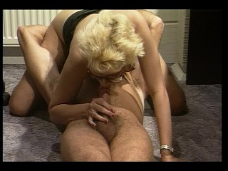 No customers, Blonde services herself plus boss