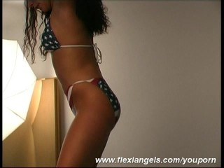 Flexi girl Samantha works in assignation