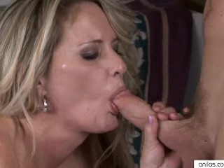 Hardcore Milf Takes A Facial and LIkes It!
