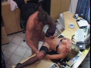 Secretary makes a bespatter in her top brass office