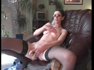 Whacking big skinny chick gets down by herself (clip)
