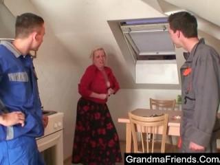 Two repairmen bang granny till double cumshot