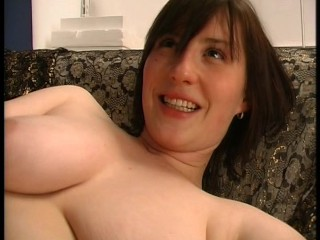 Sexy MILF shaves her seize then fucks it with a dildo (clip)