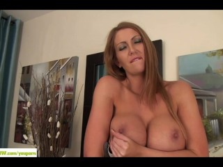 Busty Leigh Darby Fingers Cougar Pussy