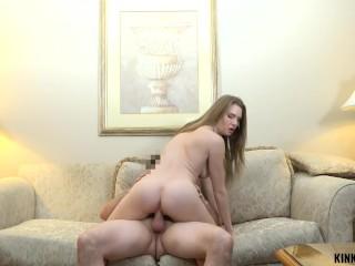 Mama a syn sex v posteli