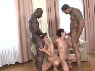 Černosi ošukajú nadržané milfky