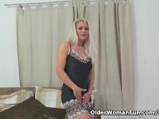 Euro milf Kathy takes care of her hungry pussy