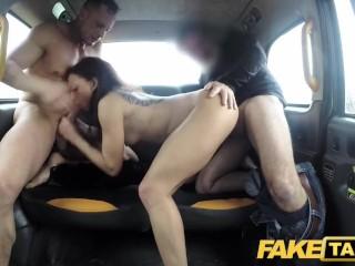 Horúca trojka vo fake taxi