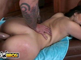 Bangbros - Interview And Fuck Sesh With Cuban Masterpiece Valerie Kay