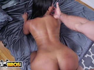 BANGBROS – Forget Cleaning, Sommer Isabella, And Show Jmac Your Assets