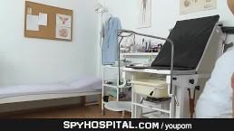 Women clinic hidden cam...