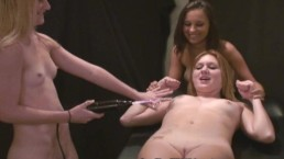 3 Cute teens Play...