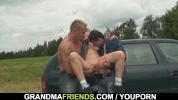 Blonde granny double penetration...