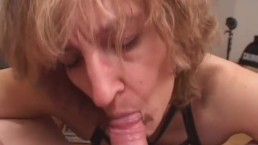 Amateur Mom gives blowjob...