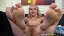 Odette Delacroix rubs big...