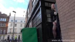 Blonde amateur exhibitionist Amber...