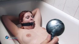 Nathalie's Bathtub Sex...