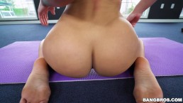 Jada Stevens Does Yoga...
