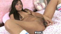 WANKZ- Alliyah Sky Uses...