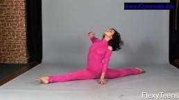 Flexyteen Violeta does gymnastics...