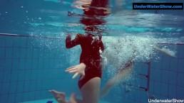 Two hot teens underwater...