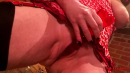 MILF Red plows her...