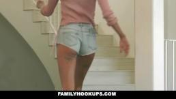 FamilyHookups - Emma Hix Catches...