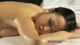 Massage Rooms Slender raven...