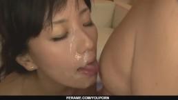 Sexy milf Manami Komukai...