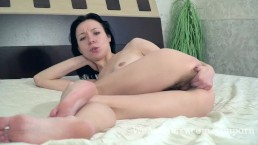 Eva Lisana masturbates with...