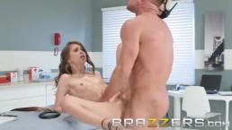 Brazzers - Riley Reid gets...