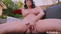 Sexy Milf Reagan Fox...
