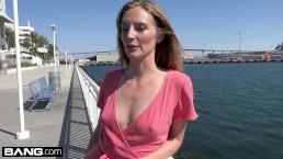 Married MILF Mona Wales...
