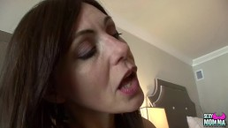 SEXYMOMMA - Milf licks her...