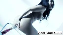 Amazing Asa Akira plays...