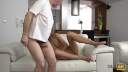 OLD4K. Young wife enjoys...