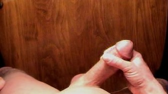 For the ladies - huge spurting cumshot