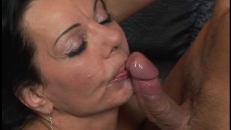 Mature lady gets it on pt 5