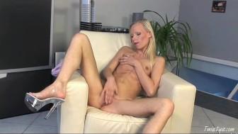 Gitta Blonde Fucks Her Pussy Hard