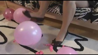 Britanny loves to play with balloons