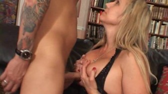 Big titted milf is glad her boyfriend came home - Pt. 1/4