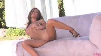 Heather Vandereven Rubs Her Pussy