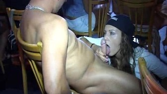 Girls party and suck cock