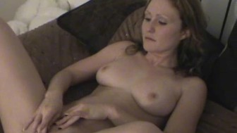 Big Tit Amateur Masturbates For A Stranger