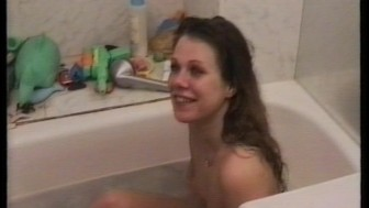 Sexy Mindy sucking in a bath tub pt 1/3